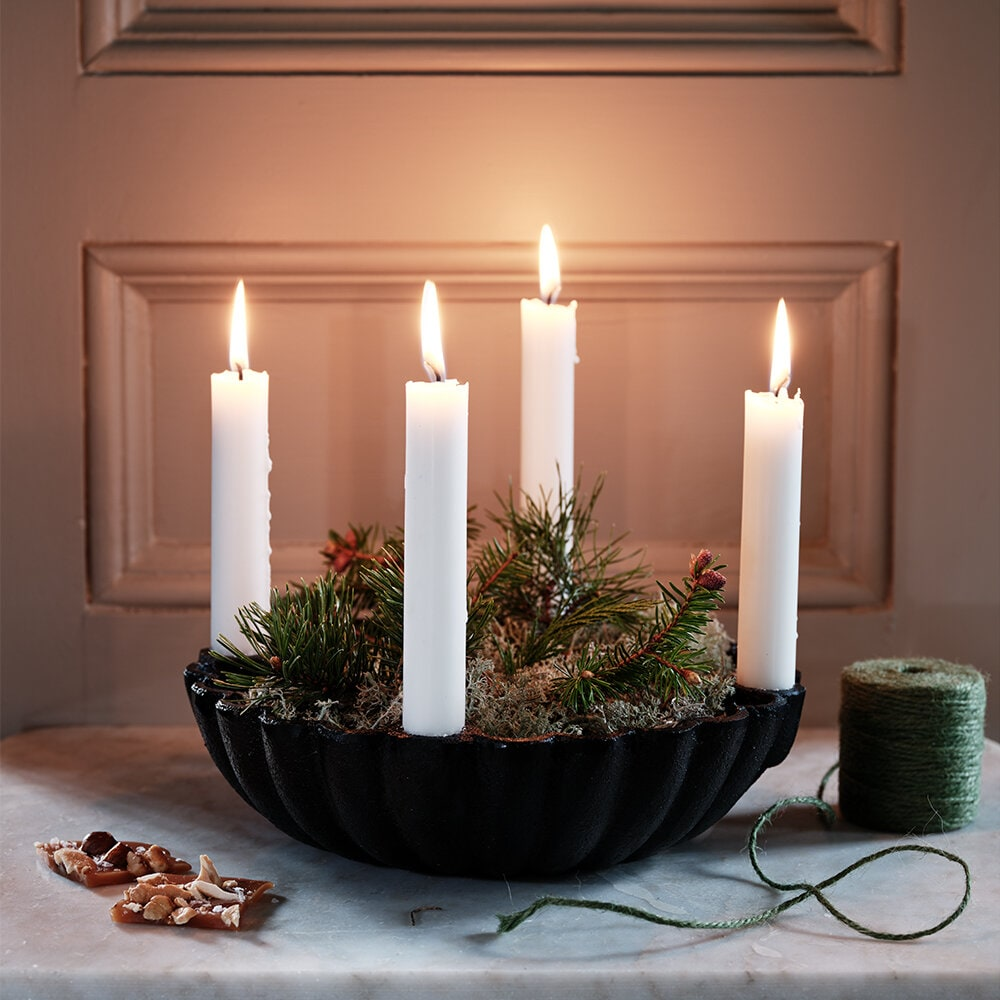 Bowl w. Candle Holders Iron